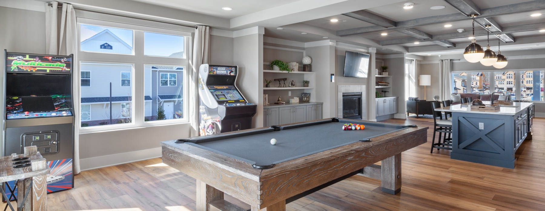 clubhouse with lounge and games